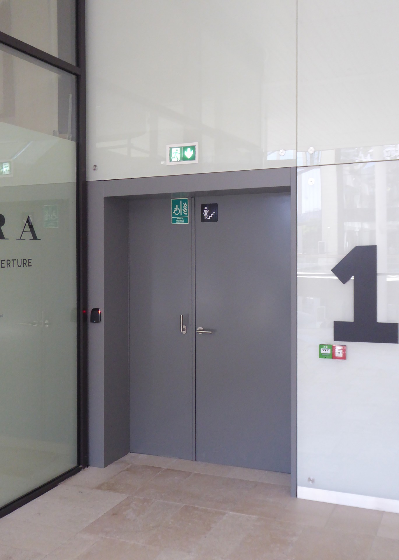 DOORTAL - Centre du prado bloc-porte blocus CR4