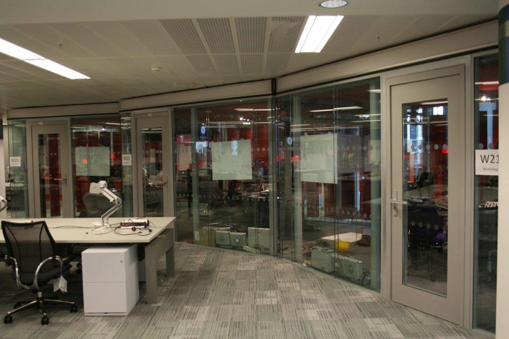 DOORTAL - Studio de la BBC - vitrée